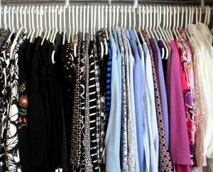 closet-reorganization-hanging-clothes