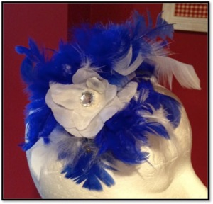 Blue_white_feather_facinator